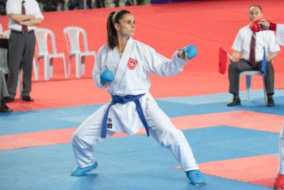 Karateka Elena Quirici während eines Kampfs