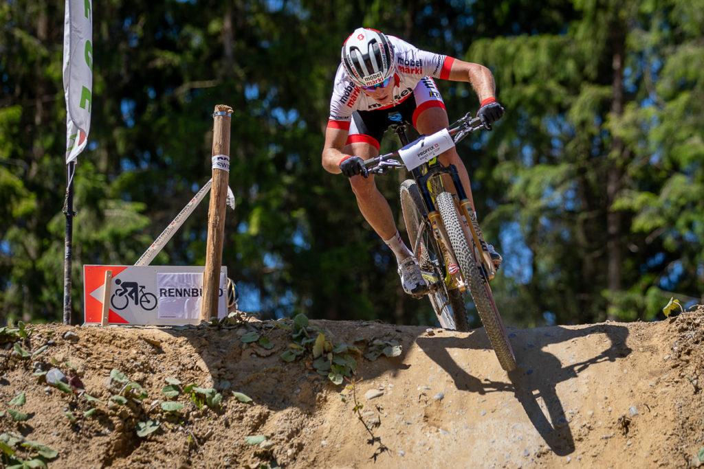 Mountainbiker Matthias Stirnemann unterwegs