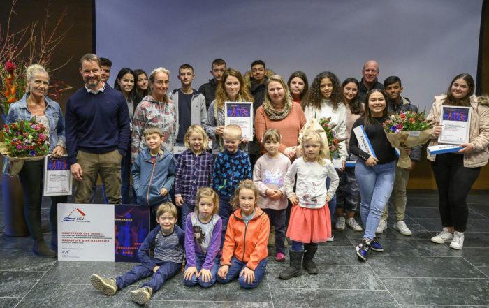 Gruppenfoto der Sieger des Sportförderungspreises der AGV