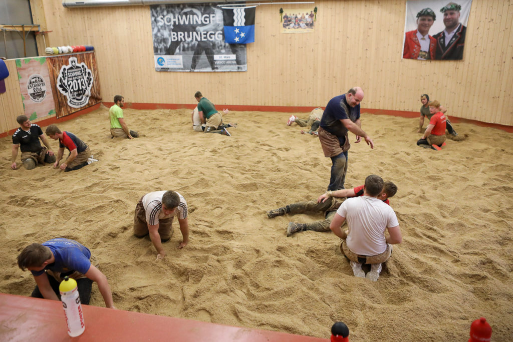 Trainingssituation im Schwingklub Lenzburg und Umgebung